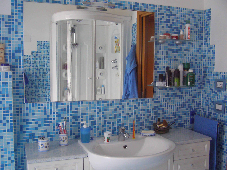 Mobili ikea cucine - Mosaico blu bagno ...