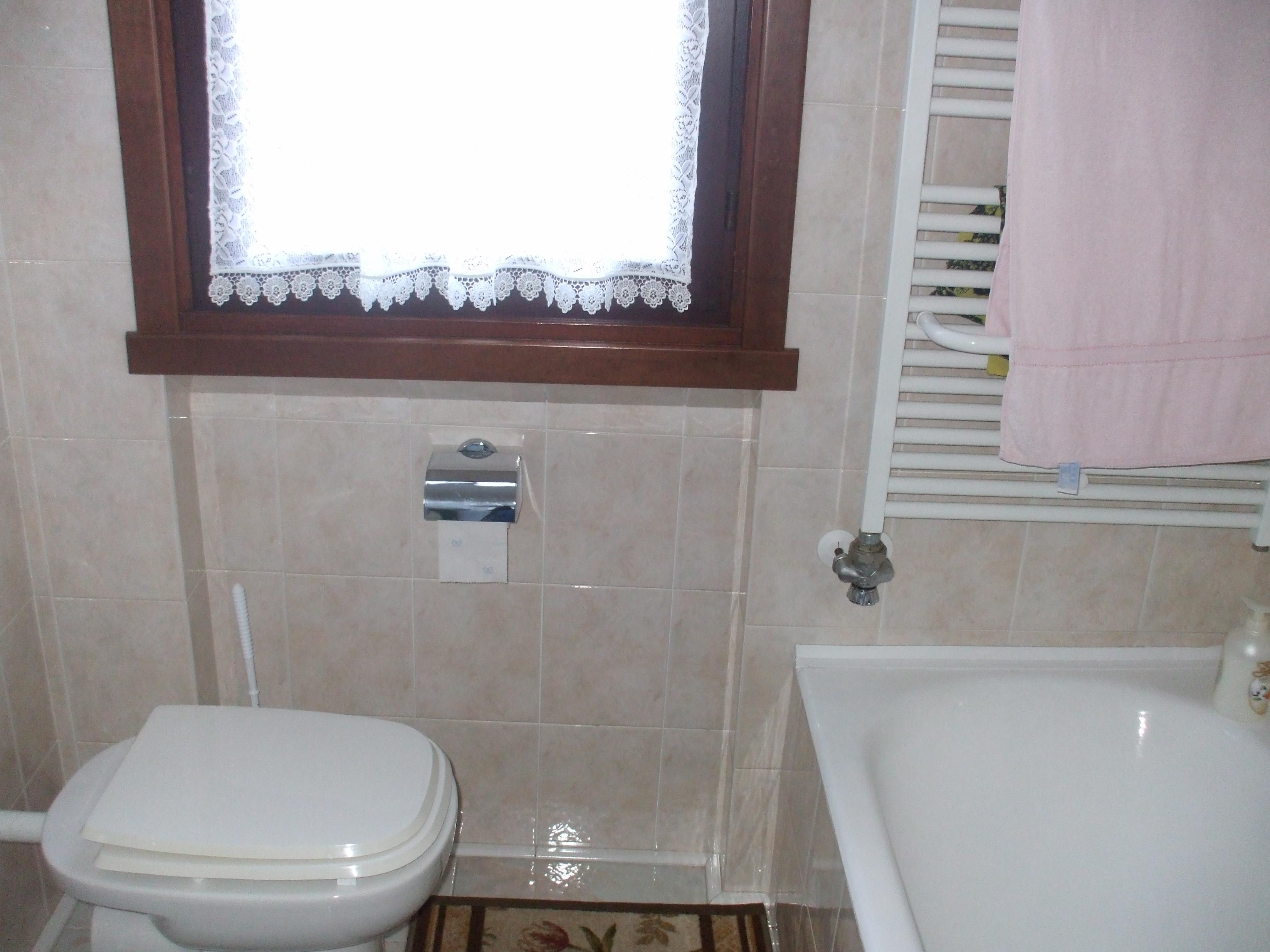 Doccia vasca prezzi - Sovrapposizione piastrelle bagno ...